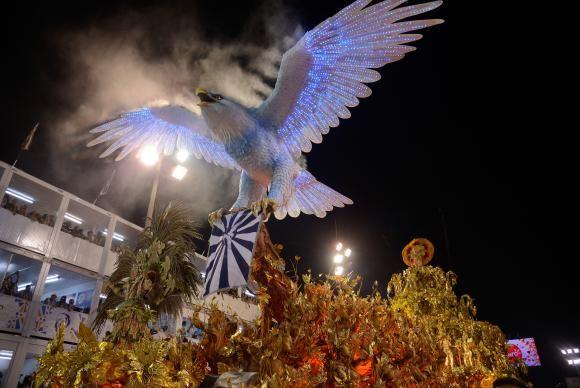 """BLOG  """"ETERNO APRENDIZ"""" : LIESA SUSPENDE DESFILE DE ESCOLA DE SAMBA NO RIO E..."""