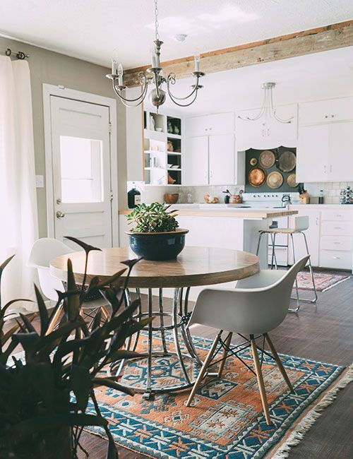If you follow over on Pinterest, you've probably noticed an uptick in decor-related pins. Moving into a new space always coincides with a search for new inspiration. I loved our house, but I also ha