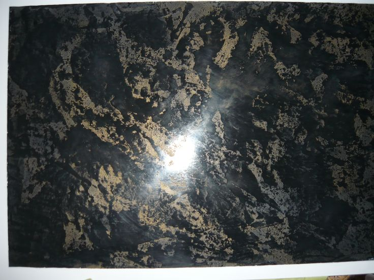 Stiuk czarny wykonanie niestandardowe  pokryty złotym woskiem
