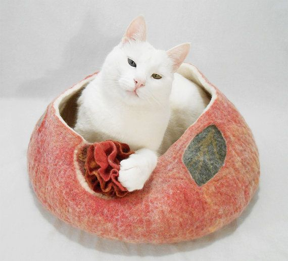 Felt cat bed, Floral pet bed, Felted small dog bed, Wool cat house, Cat basket, Small dog basket, Cat cave, Cat bed with flower. Gift for cat lovers