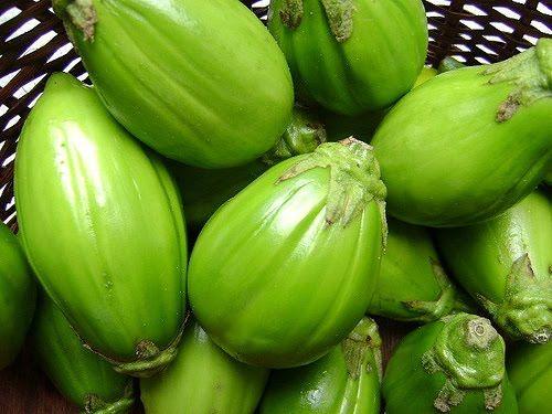 Limão com jiló, baixo teor calórico, combate as gorduras do fígado, rico em vitaminas e fibras, ótimo para emagrecer com saúde.