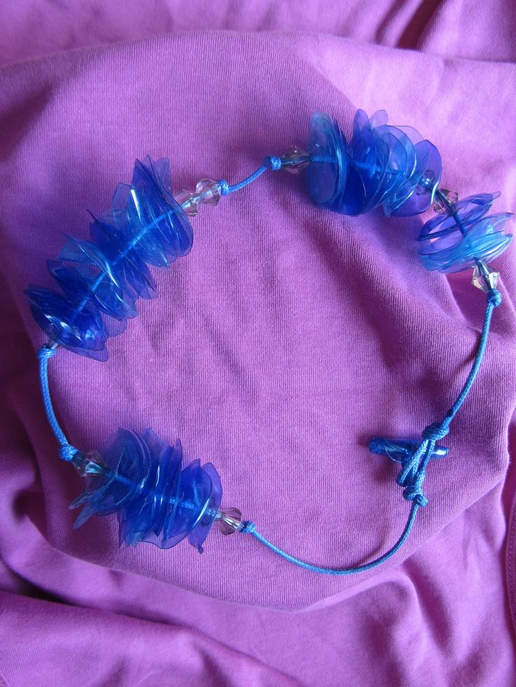 Collana creata con PET - Necklace plastic bottle