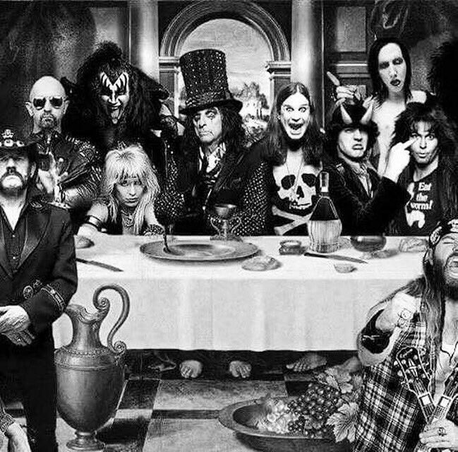 Awesome Pic Of A Metal Dinner Alice Cooper Tweeted Rock And Roll
