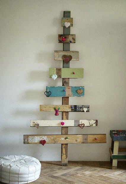 Reclaimed wood pallet Christmas tree