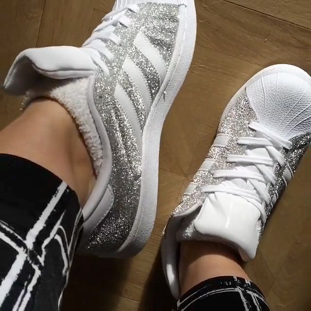 How glittery are your Superstars?