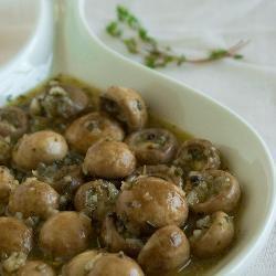 Cogumelos marinados - tomilho = thyme