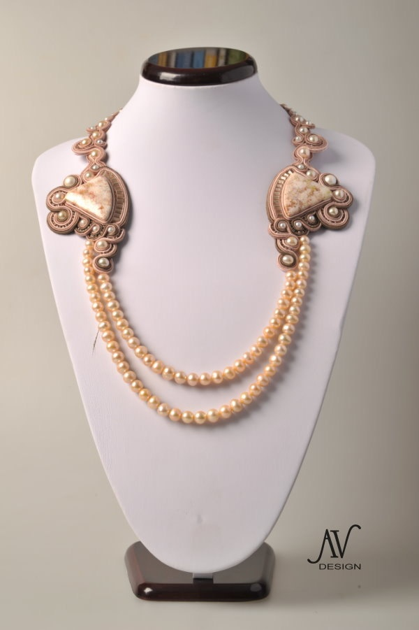 soutache and pearls necklace