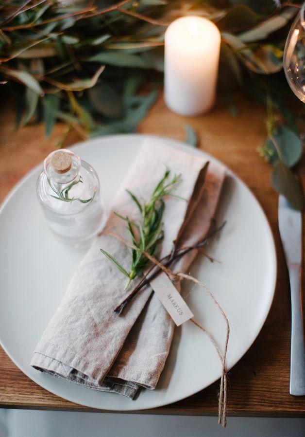 5 Festive Christmas Table Setting Ideas l Simple Yet Effective