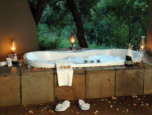 no fences, pure relaxation, selati camp...operated by candlelight only