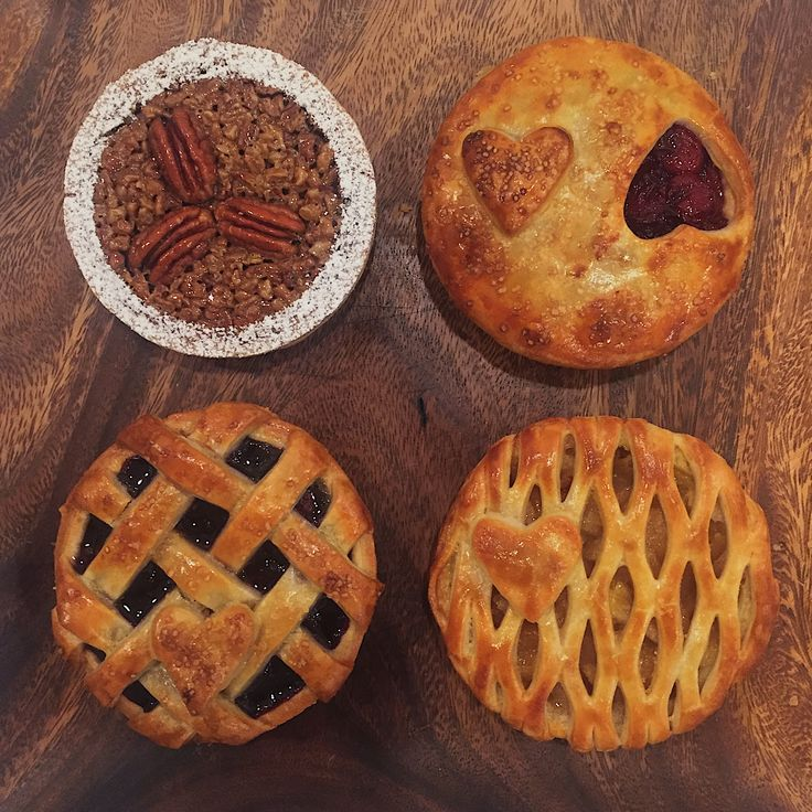 There's still time to place an order for Valentine's Day. Get 'me while they're hot! #perfectpie #oprah #oprahmagazine #valentinesday #valentinesbae #baking #eeeeeats #yum