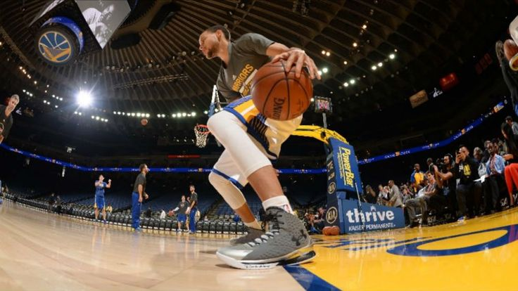Stephen Curry shoe giveaway: NBA star's 'Curry One' a billboard for Christian faith