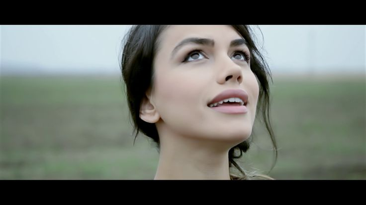 Emmah Toris - Ne intamplam (Official Video HD)