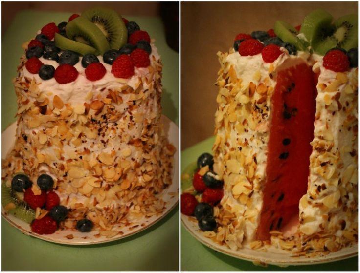 Тоже мое творение. Арбузный тортик. Сочно.