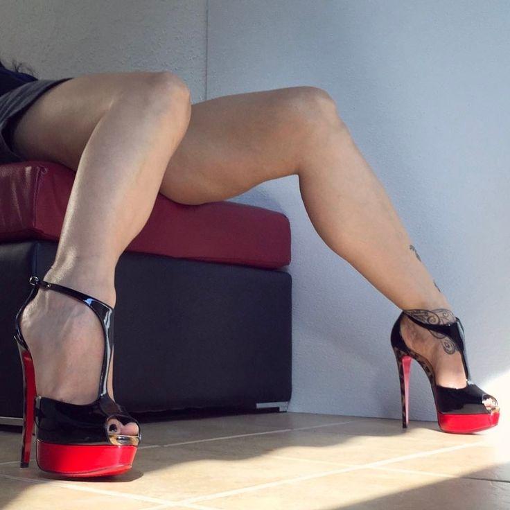 Happy T-Strap Tuesday #Loubs #ChristianLouboutin #Jilopa #Leopardino #Black #Patent #Leather #PeepToe #TStrap #Platform #Stiletto #HighHeels #Louboutin #LucyHeels #LucyLegs #LoubouQueen #KillerHeels #ShoeGame #SexyLegs #heelinsta #Silky #Sexy #Sensual #Legs #Black #Patent #Leather #Stiletto #HighHeels #PeepToe