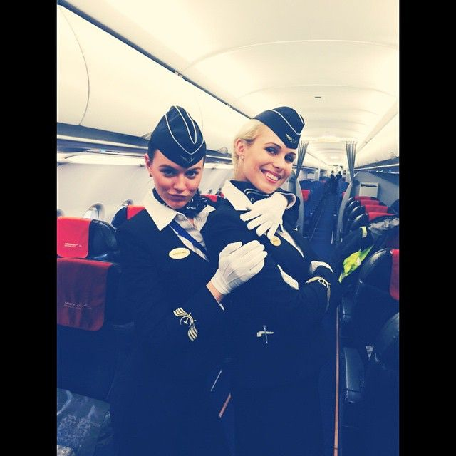 Передали эстафету друг другу ) #блондинка #брюнетка вместе в #питер #стюардесса #аэрофлот #stewardess #aeroflot #fly