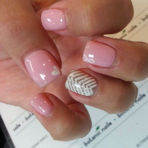 pink nails with little heart