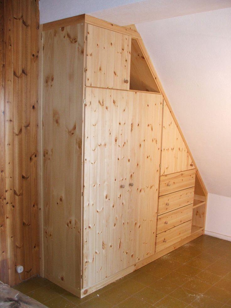 Armadio in legno di Pino per sottotetto. | Armadio ...
