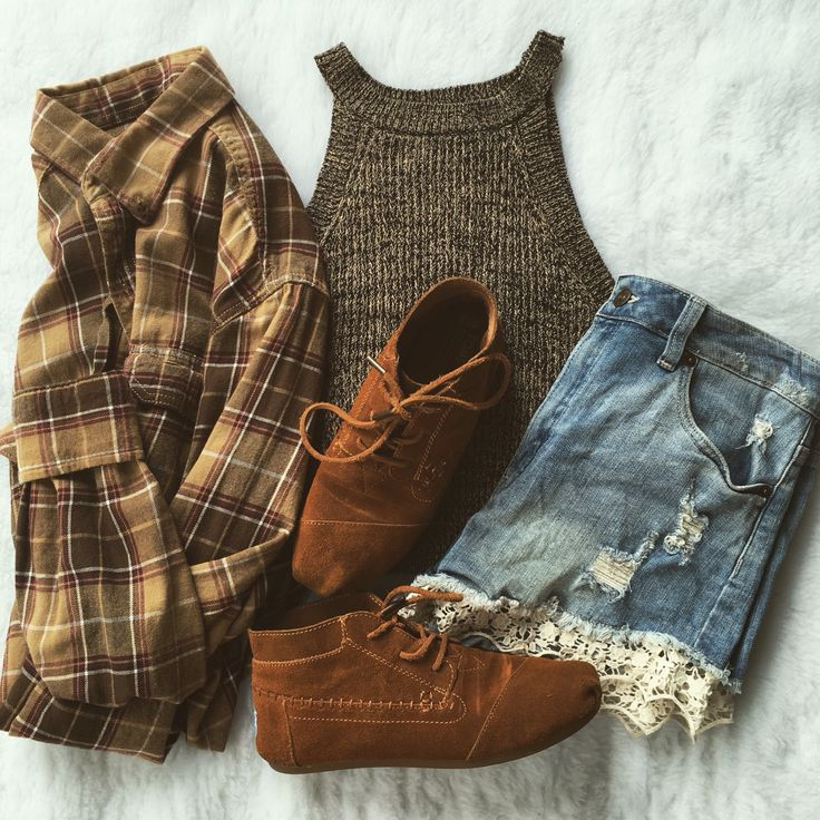 Colorado vibes outfit! • flatlay • Brandy Melville • fall colors • spring trends •