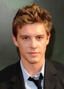 Xavier Samuel. hottest guy from the twilight movies in my opinion <3