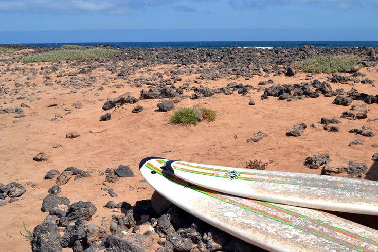 Intermediate Surfkurs:Surfboard am Strand