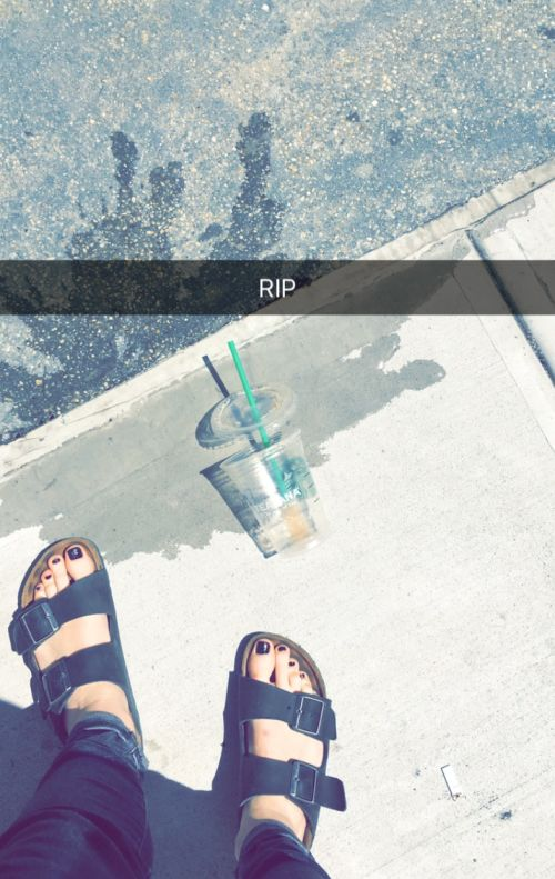When you have your first experience with love and loss.   11 Snapchat Moments Only Starbucks Lovers Will Understand
