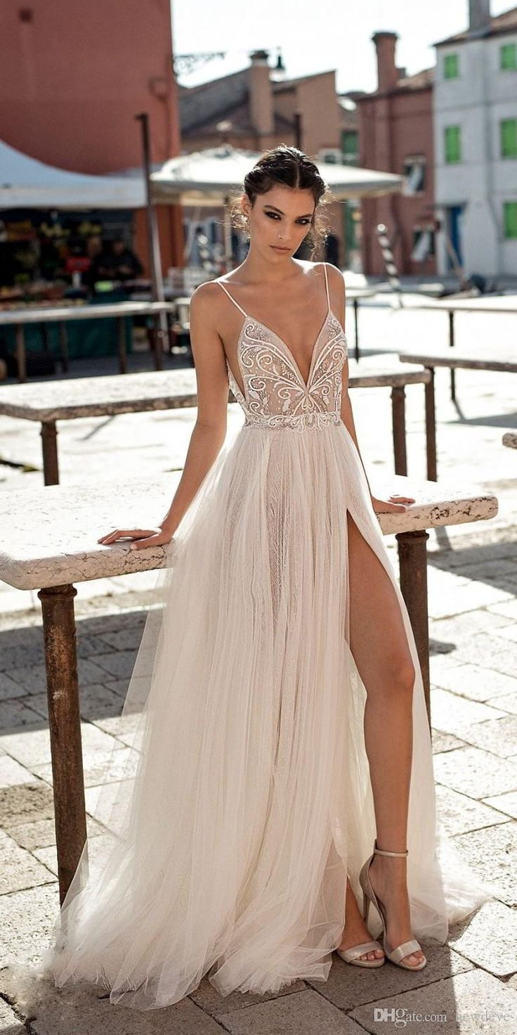 Gali Karten 2019 Beach Wedding Dresses Side Split Spaghetti Sexy Illusion Boho A-Line Wedding Dresses Pearls Backless Bohemian Bridal Gowns