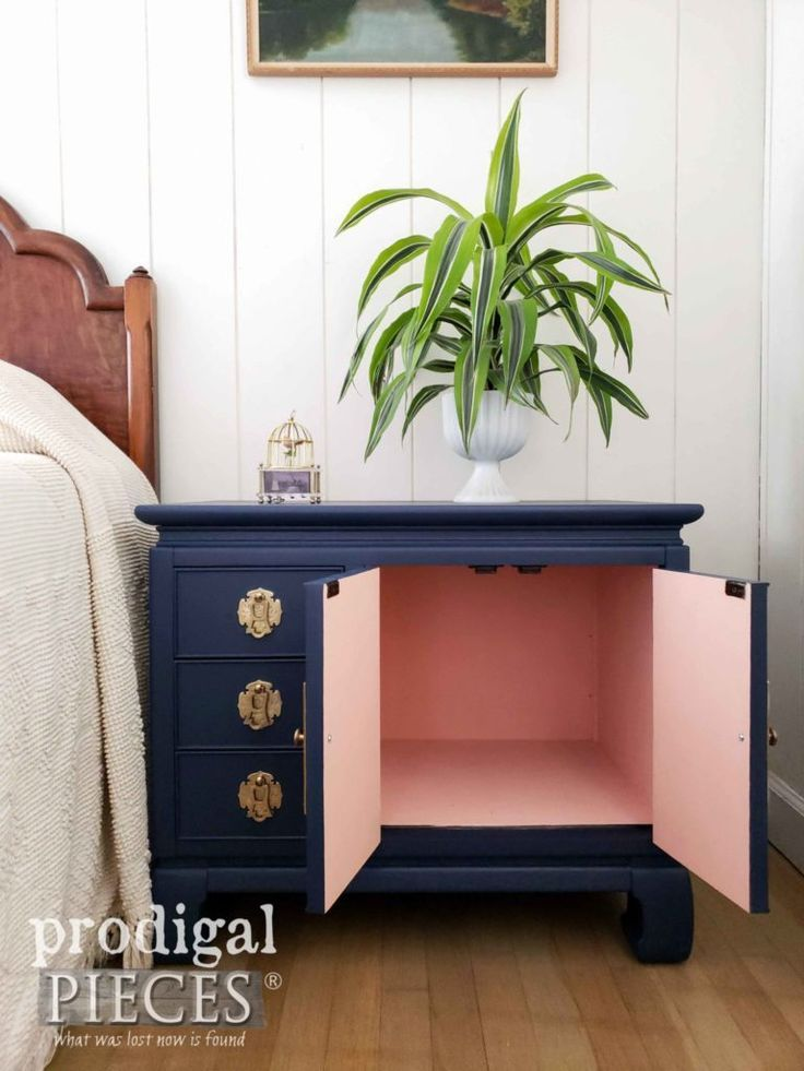Vintage Chest Nightstand in Navy Blue
