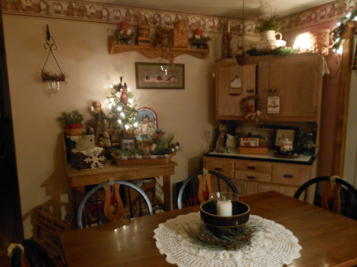 Dining room primitive country christmas style bathroom for Primitive country dining room ideas