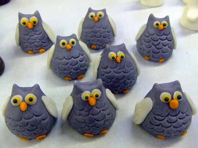halloween owls made of marzipan