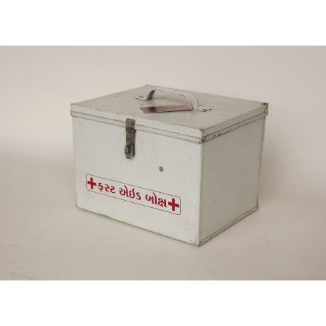 https://katooenzoo.nl/product/industriele-gerecyclede-ehbo-box/