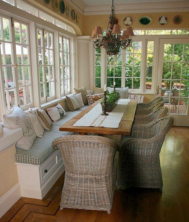 Breakfast / sun room- love the majolica plates around the ceiling
