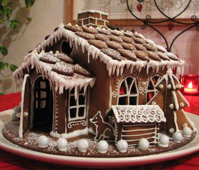 Domek z piernika - tradycyjna fińska ozdoba... jadalna! :) #finuu #finuupl #finland #finlandia #ginger #gingerbread #gingerbreadhouse #christmas #xmas #cake #piernik #domekzpiernika #piernikowydomek #bożenarodzenie #ozdoby #diy #handmade #