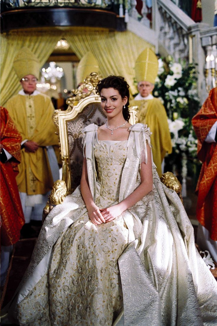 Anne Hathaway in The Princess Diaries 2
