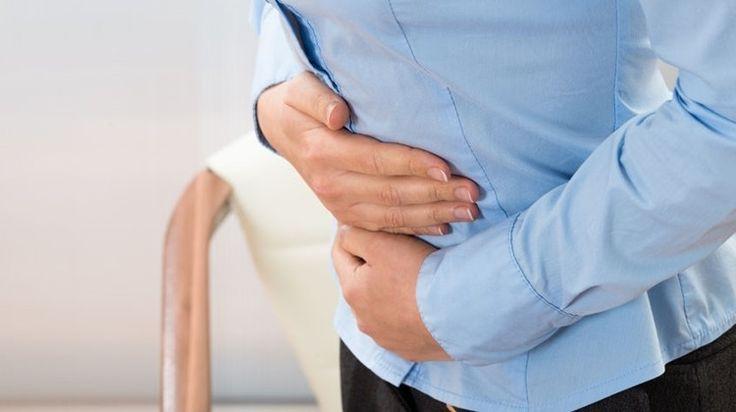 A puffadással, felfúvódással mindenki találkozik néhányszor élete során. Általában a helytelen táplálkozás, esetleg a menzesz, vagy túl sok szénsavas ital fogyasztása áll a háttérben. Ha azonban a puffadást az alábbi tünetek valamelyikével kísérve tapasztaljuk, minél hamarabb forduljunk orvoshoz.