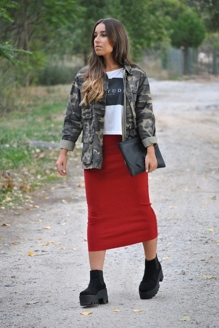 Camo Jacket, dark red pencil skirt, platform Chelsea boots. Casual chic fall outfit. Trendencies