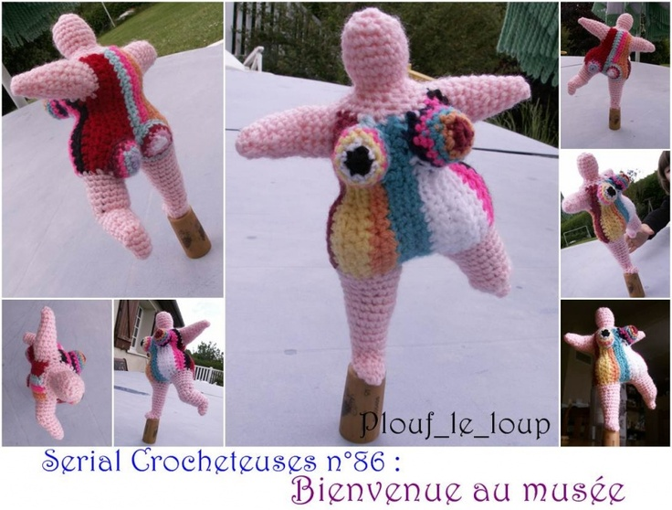 statut façon Nicky de St-Phalle - crochet