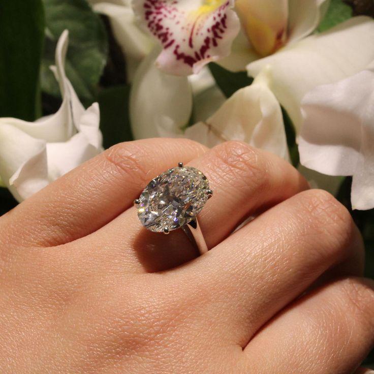 De Beers 13.25-quilates D IF anillo de compromiso de diamantes ovalados para manos grandes