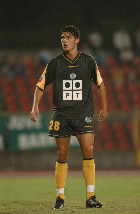 Cristiano Ronaldo in his first club: Sporting Club de #Portugal. Right before going to ManUn