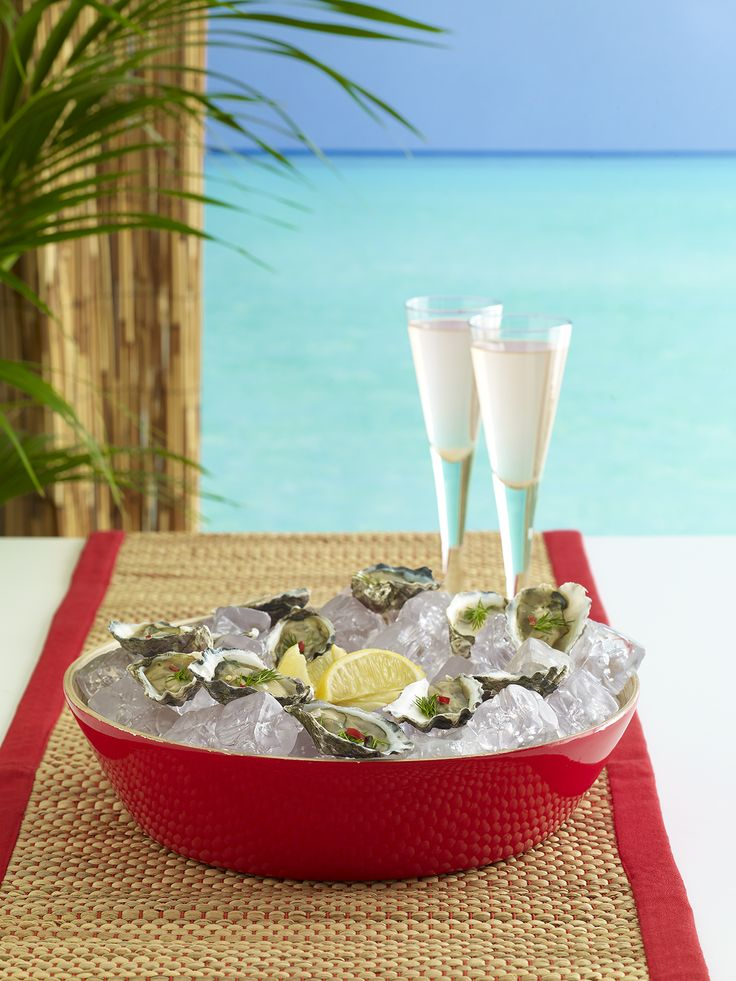 Perfect picnic! Champagne and oysters anyone? Verchelli bamboo chip and dip bowl red $49.95 teamed with Reims champagne flute s/4 $39.95 - shop the look here http://www.oasishomewares.com/host-a-party/book-an-Oasis-party.html