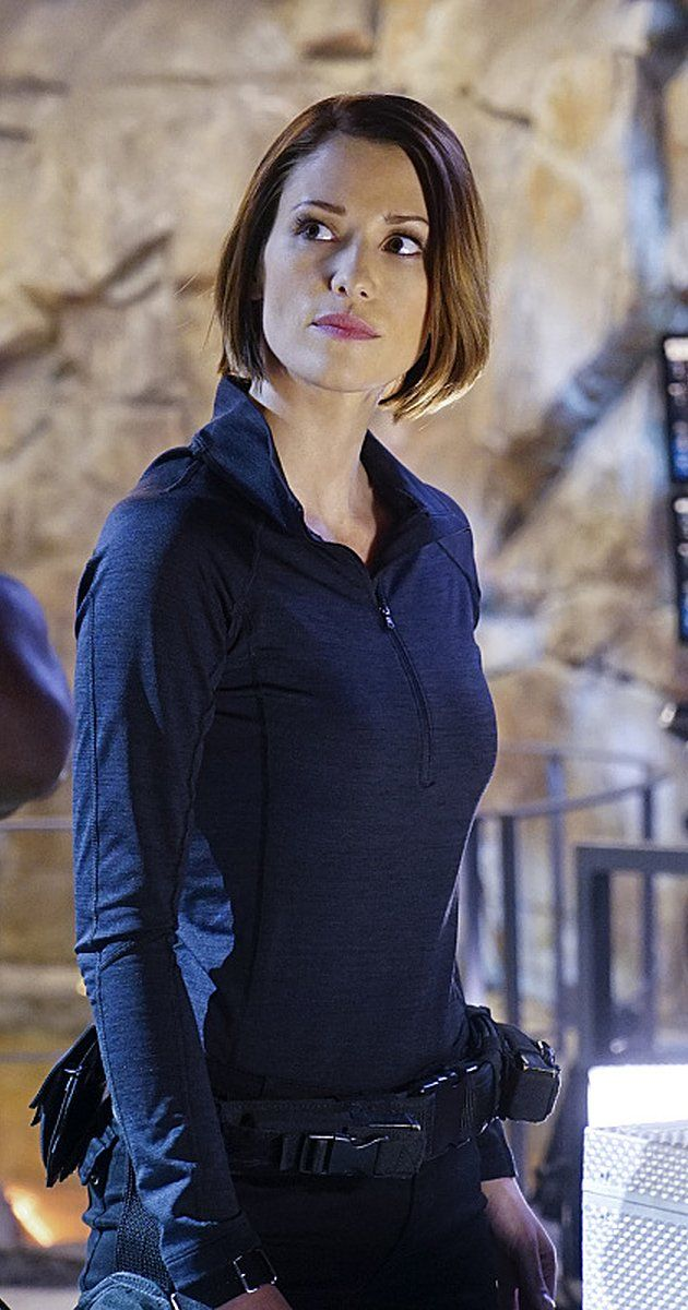 Pictures & Photos of Chyler Leigh - IMDb