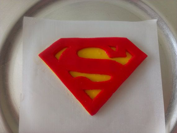 57 best images about fondant superhero on pinterest for Superman template for cake