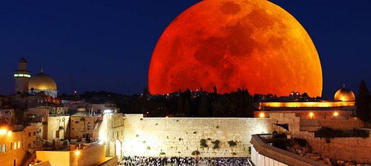 Sukkot 2015: Blood Moon Over Jerusalem   United with Israel