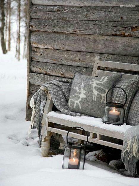 Banc #cozy dans la neige