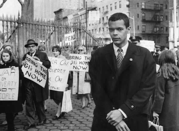 Julian Bond, Former N.A.A.C.P. Chairman and Civil Rights Leader, Dies at 75 - The New York Times