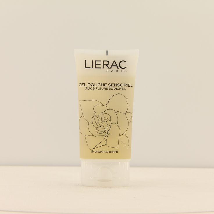 Lierac Corps Sensoriels Gel Douche Sensoriel Lichaam 150ml  Description: Lierac Corps Sensoriel Gel Douche Sensoriel aux 3 Fleurs Blanches.Een doorzichtig gel van plantaardige oorsprong zonder zeep die in een sensueel en subtiel geparfumeerd schuim veranderd voor het ultra zacht reinigen van het lichaam en uitdrogong voorkomt. Antioxidant effect herstructurering van de huid en werkt ontspannend. De huid is gehydrateerd en subtiel geparfumeerd.Gebruik: Kan worden gebruikt in de douche of in…