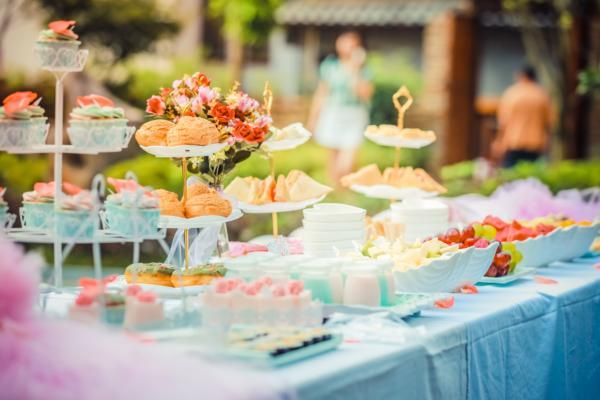 The Perfect Dessert Menu For Your Wedding Reception Includes