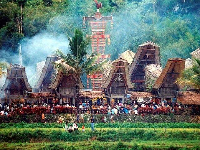 TANA TORAJA, SOUTH SULAWASI, INDONESIA. UPACARA ADAT