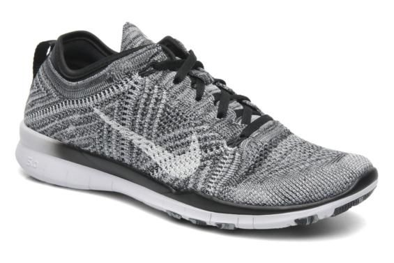 Chaussures de sport Wmns Nike Free Tr Flyknit Nike vue 3/4