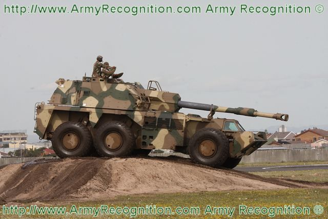 G6_Rhino_G6-45_155mm_wheeled_self-propelled_howitzer_armoured_vehicle_South_Africa_african_army_defence_industry_003.jpg (640×427)