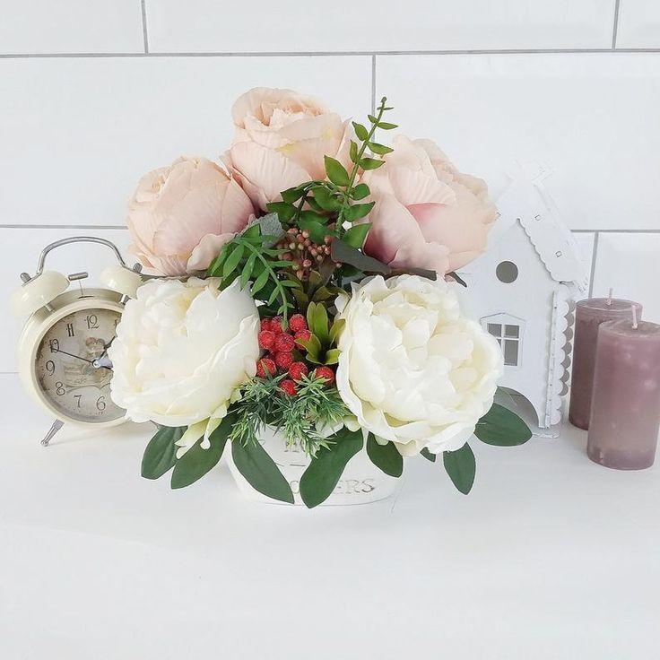 Silk Artificial Flower Arrangement Summer Centerpiece Fake Flowers In Ceramic Vase Coffee Table Centerpiece Dining Room Table Centerpiece 2019 Artificial Flower Arrangements Flower Arrangements Coffee Table Centerpieces